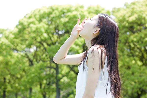 片思いは辛い…気持ちを明るくするための6つの方法