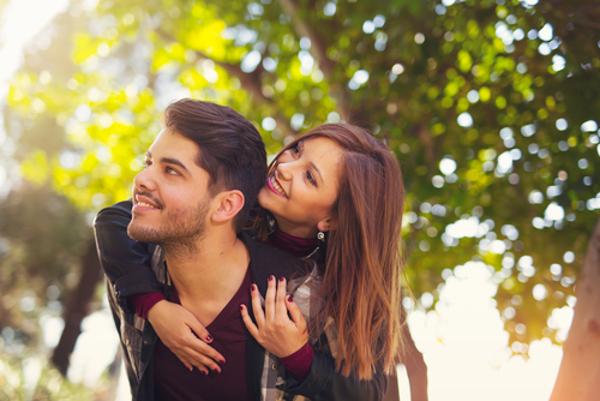 嫉妬する男の心理を理解して二人の距離を近づけよう!